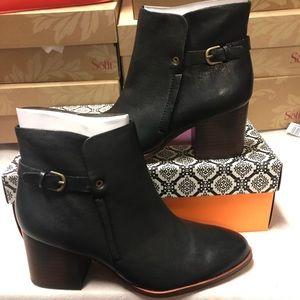 Isola Orlinda black leather new